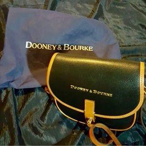 💕NWOT Dooney & Bourke Mini Saddle Bag💕